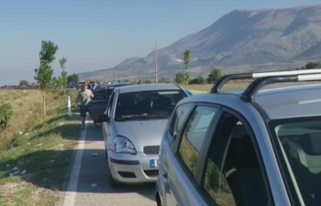 Mbyllet për sot dogana greke në Kapshticë, u plotësua kuota