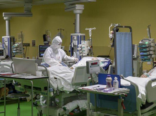 Vogëlushja e prekur me Covid,por  mjekët zbulojnë sëmundjen