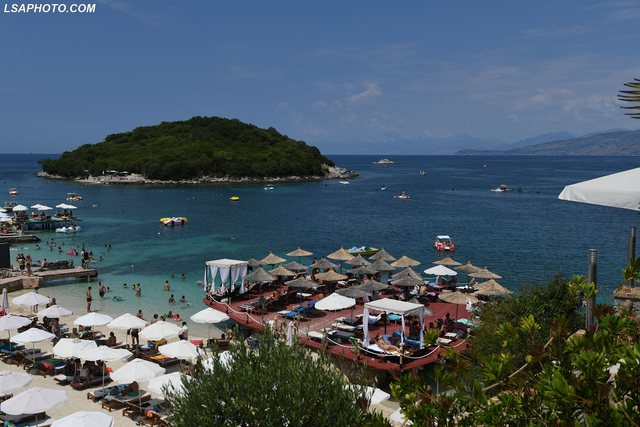 Vetëm 24 mijë turistë me charter për pushime këtë