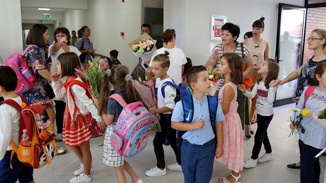 Hapja e shkollave/ Boçi:Qeveri me skenaristë, nuk ndjekin as
