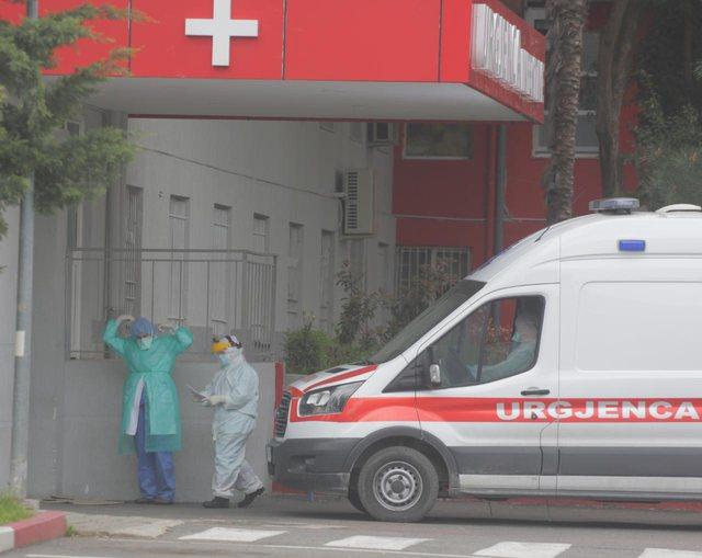 Vdekjet nga Covid në spitale, koha që të bëhen publike