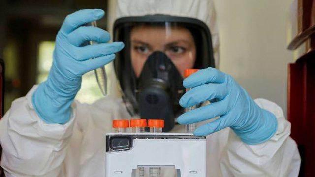 Studimi/ Vaksina anti Covid e prodhuar nga Rusia jep përgjigje pozitive