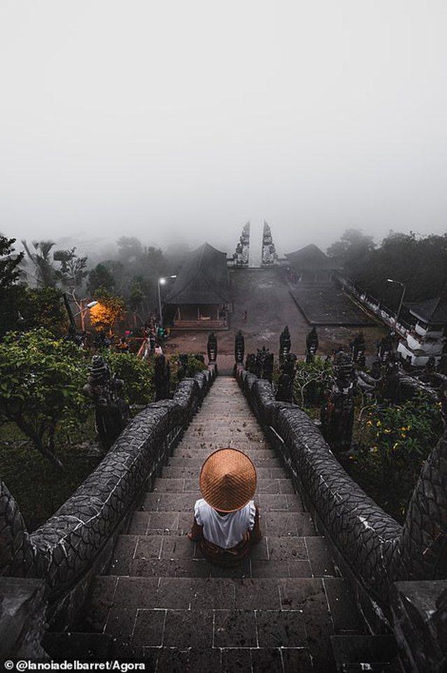 Nga shkëmbinjtë kanadezë te tempujt në Bali, fotot e