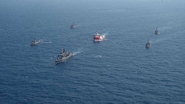 Turqia çon anijet luftarake pranë Rodosit, Greqia në alarm, i