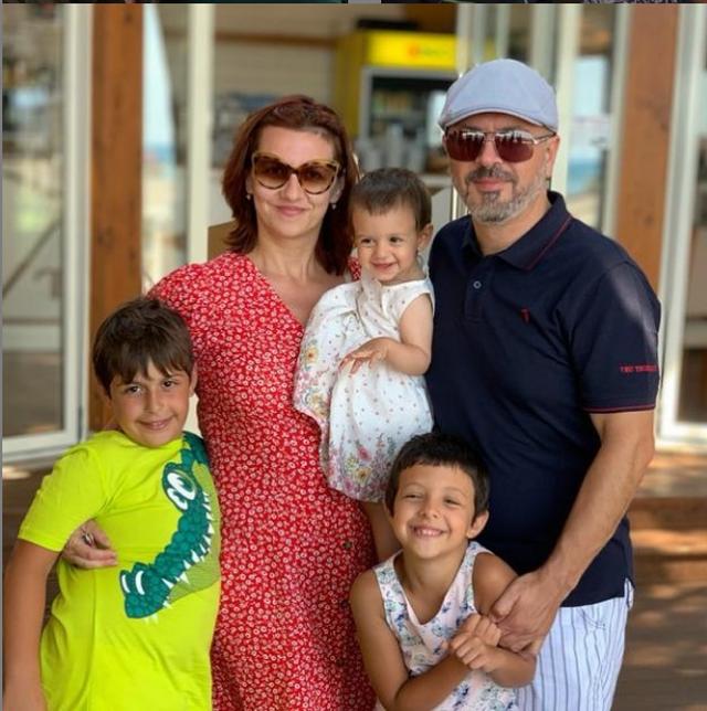 Sidrit Bejleri ndan momentet e ëmbla me të bijën: Mami e ka