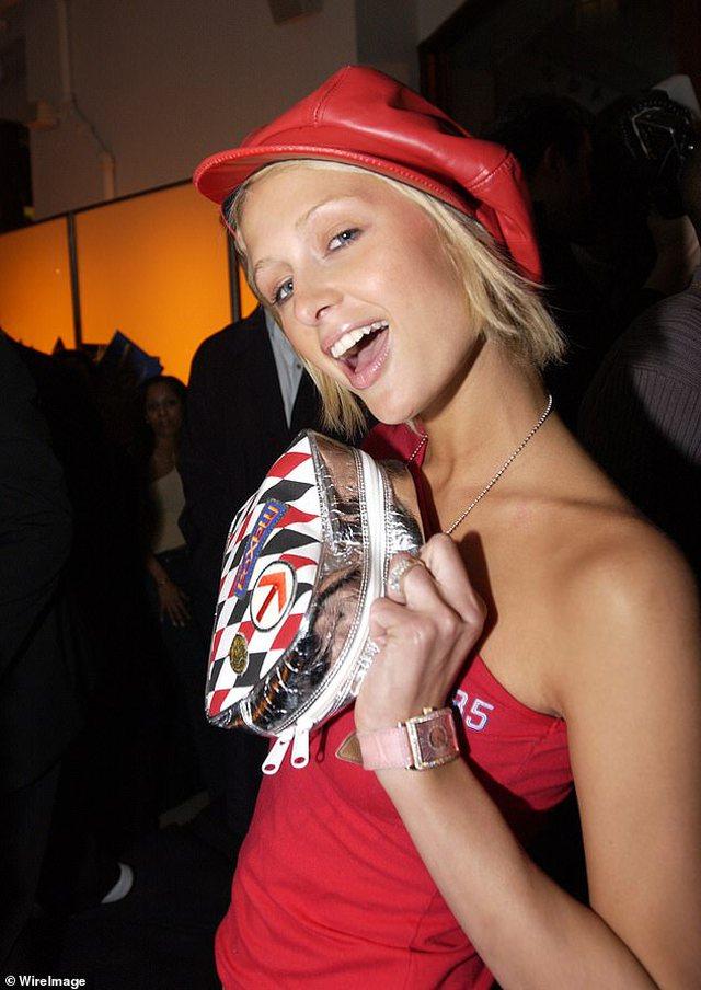"""""""Nuk jam më një bionde memece"""", Paris Hilton shokon fansat"""