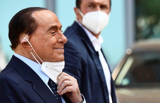 Berlusconi flet sërish për luftën me Covid: Ndihem i rraskapitur,