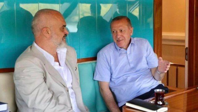Ish-ministri kapet me Ramën: Si cirk lëvizës, herë me