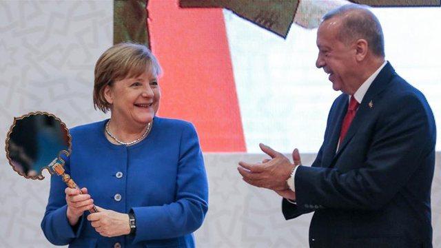 Përplasja me Greqinë/ Merkel bisedon sërish me Erdoganin, ja