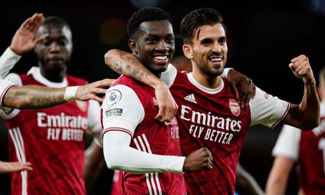 Arsenal fiton, tronditet United, ndërsa Roma ndalet nga Verona