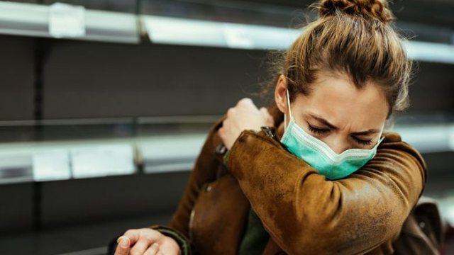 Infektimi me COVID/ Ekspertët: Si duhet të veproni nëse dikush