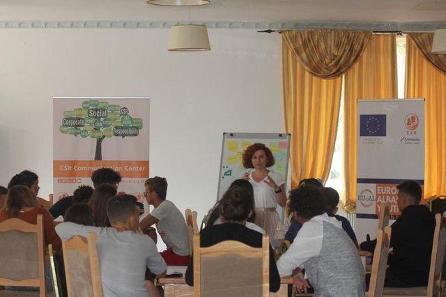 Rinia e BE/ Sondazhi në Shqipëri: Institucionet i lenë