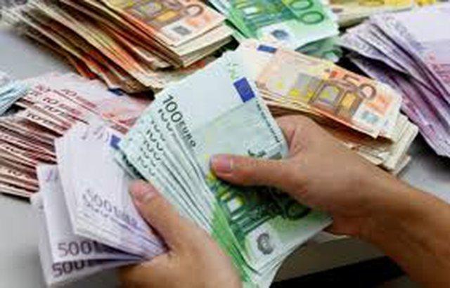 Bankat kanë 48 miliardë lekë kredi me probleme, pothuajse gjysma