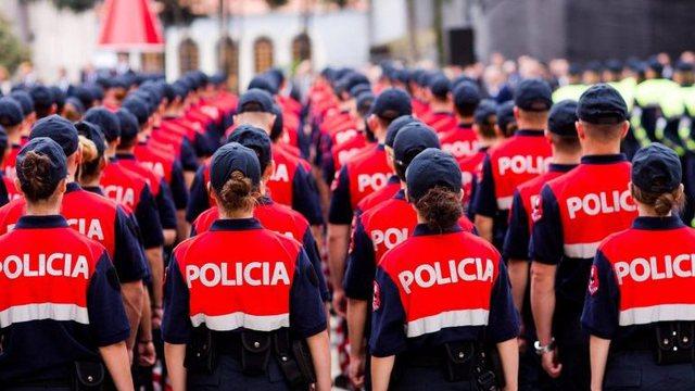 Kosova lë pas Shqipërinë, policët shqiptarë më