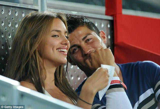 Deklarata bombë: Cristiano Ronaldo është homoseksual, femrat e