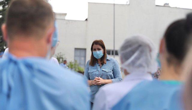 Manastirliu sqaron vendimin e fortë: Maska na ul 60% rrezikun e infektimit