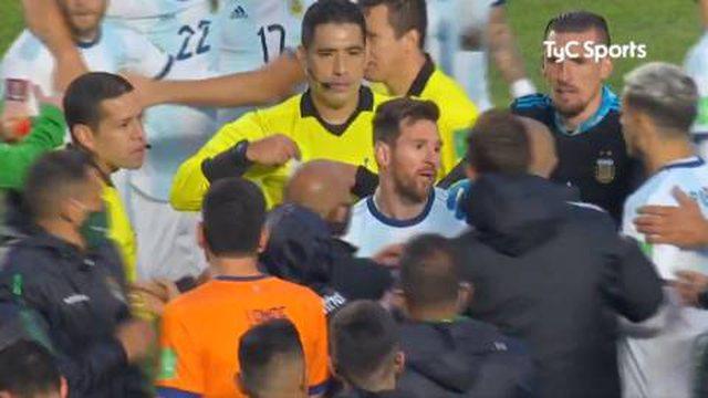 """Video/ Messi sherr me lojtarët e Bolivisë: """"O tullac,"""