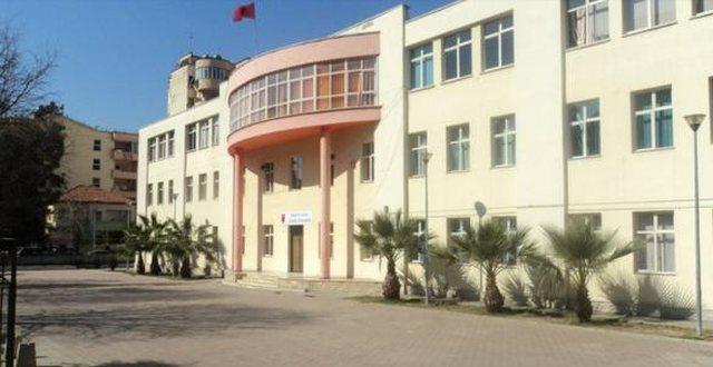 Covid shfaqet në shkollë, infektohen 8 mësues, 29  arsimtarë
