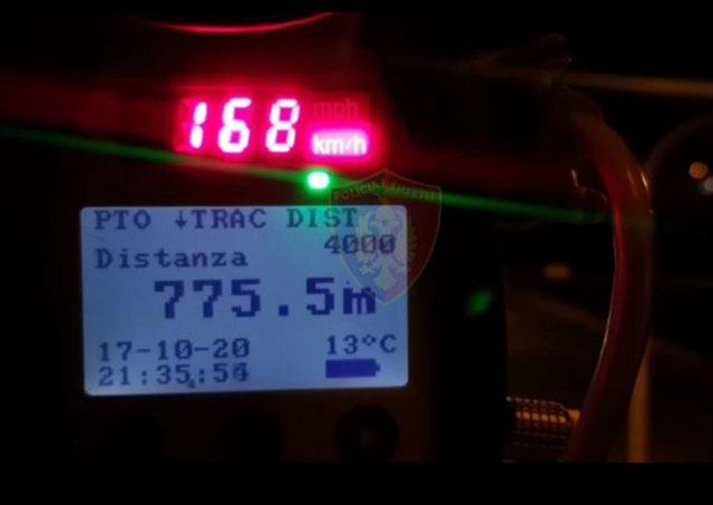 Policia aksion në Tiranë/ Pezullohen 20 patenta, arrestohen 4