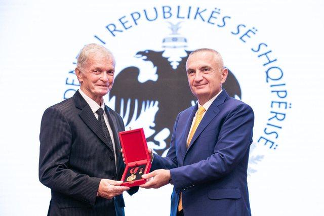 """""""Kampion Europe falë teje"""", mesazhi prekës i Smajlajt"""