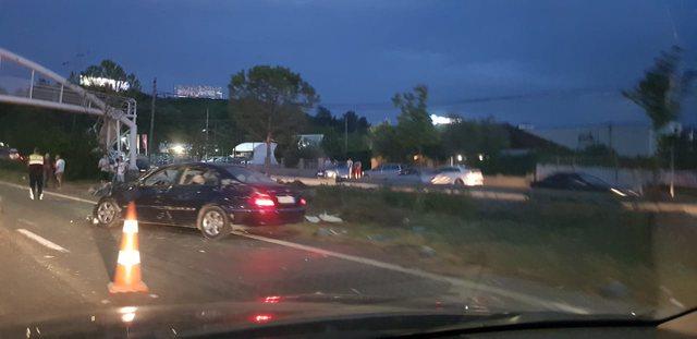 Aksident me vdekje në autostradën Tiranë-Durrës, dyshohet