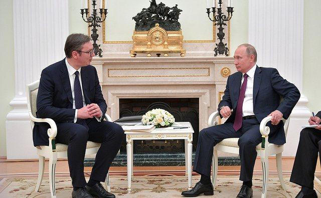 Vuçiç firmosi me Trump për Kosovën, Putin hakmerret ndaj
