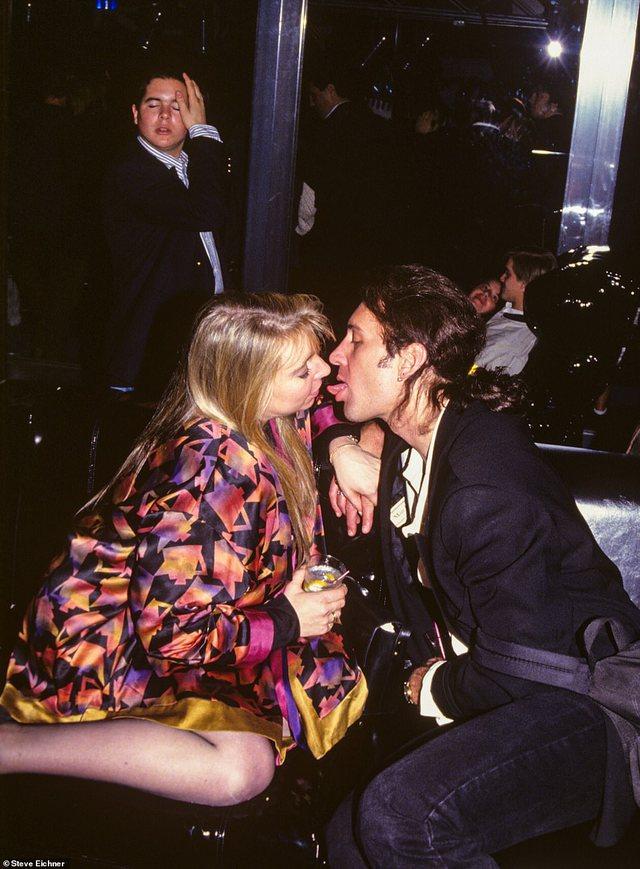 Seks dhe drogë/ Dalin fotot nga festat e çmendura ku merrnin