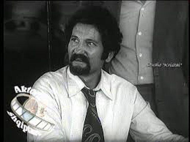 20 vjet pa aktorin dhe regjisorin e njohur shqiptar, Petrit Llanaj (FOTO)