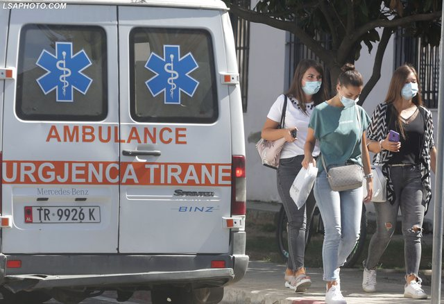 Mbi 5 mijë të prekur në Tiranë, Ministria apel të