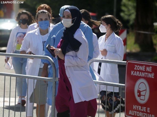 224 vatra familjare të Covid, Ministria nuk ka testime masive, por hap