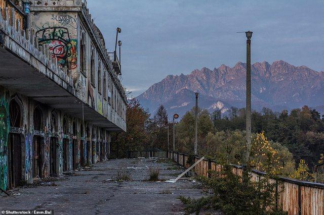 """FOTOT/ Historia e """"Las Vegasit"""" të Italisë, që sot"""