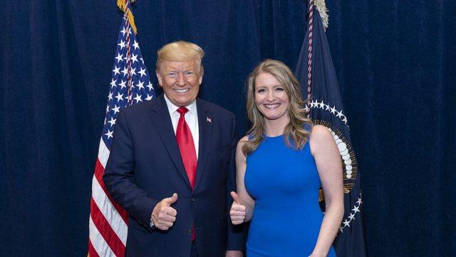 Jenna Ellis: Nga urrejtja në dashuri të fortë për Trump,