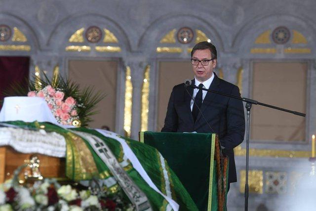 Vuçiç provokon në ceremoninë e Irinejt: Më tha, po