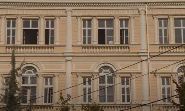 Qyteti i alfabetit, pa shkollë të mesme në gjuhën shqipe