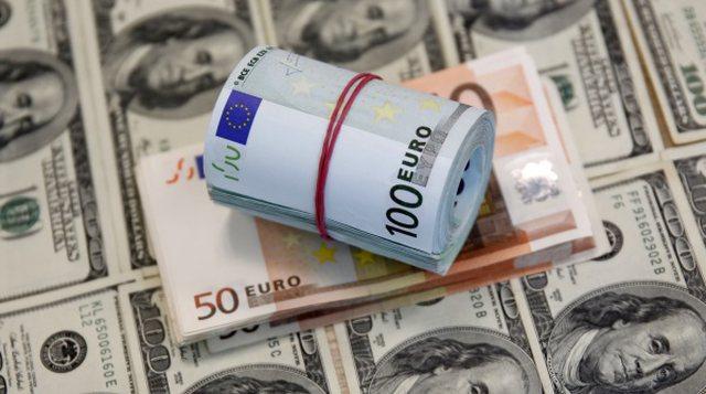 Dollari bie nga 'froni', cilat janë pesë monedha kryesore