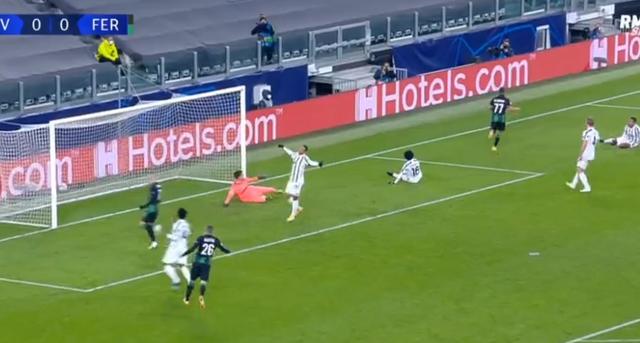 Champions League/ Shqiptari Myrto Uzuni shënon ndaj Juventus dhe feston si