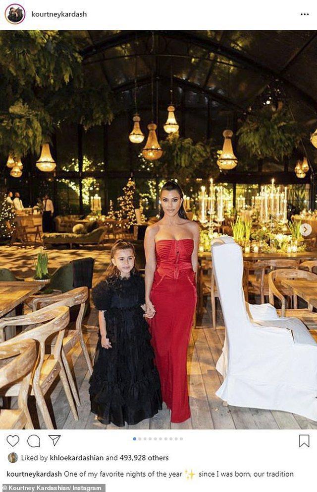 Foto/ Kourtney Kardashian tregon dekorimet e saj elegante festive