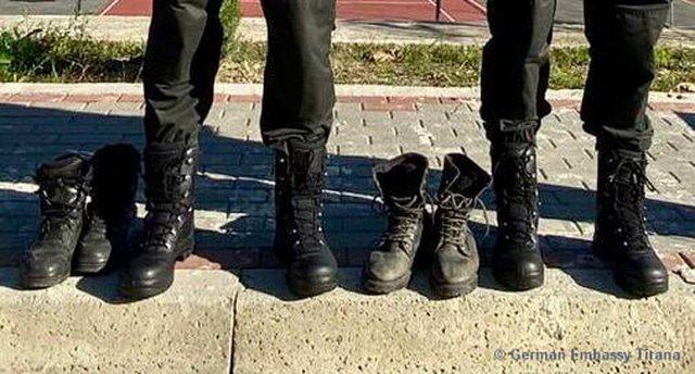 FOTOT/ Gjermania mbath RENEA-n dhe grupin e gatshëm me