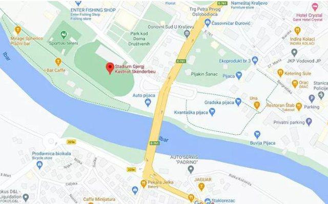 """Google Map """"i vendos"""" emrin e Skënderbeut një stadiumi"""