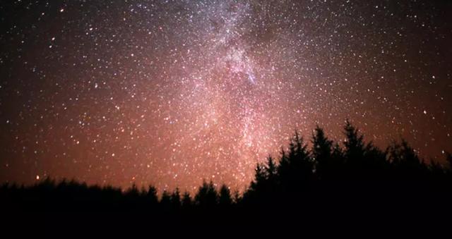 Zombie, uri dhe asteroide, parashikimi i frikshëm i Nostradamus për