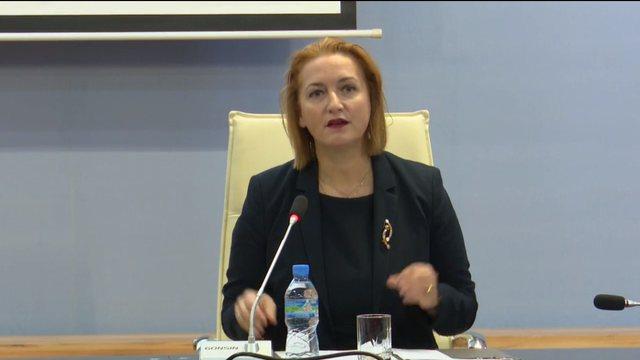 Rruga Vlorë-Orikum/ Denaj i përgjigjet Metës: Procedura