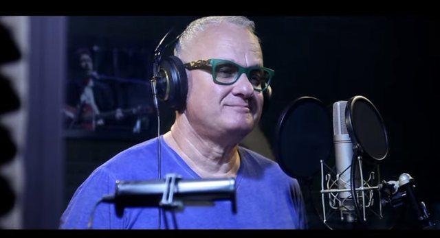 Video/ Ju flet Corona... kënga e Kujtim Prodanit kushtuar Covid