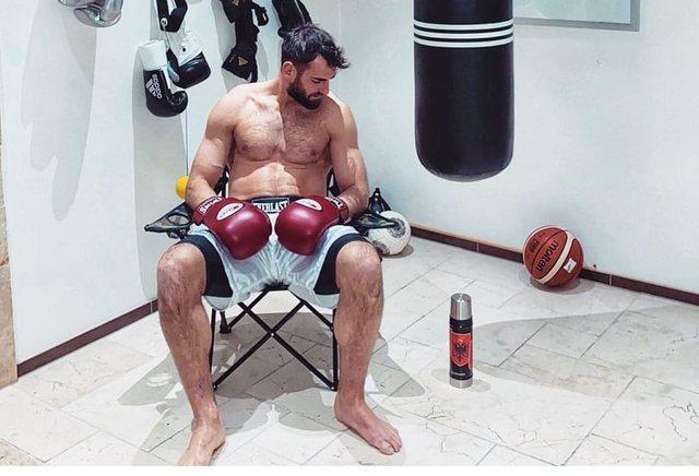 Mërgim Mavraj i futet boksit: Po të ishte e rëndësishme