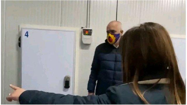 Video/ Vaksinat anti Covid ruhen me policë, Rama: T'ia tregojmë