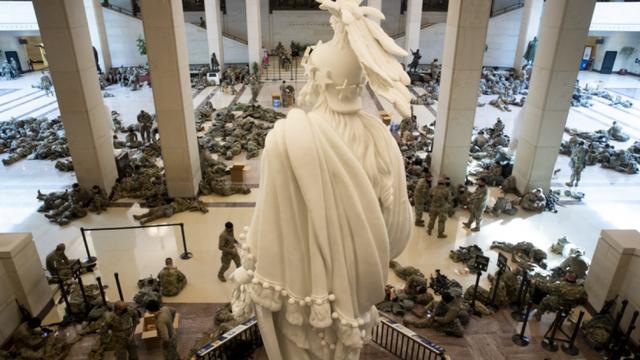 Frika për trazira/  20,000 trupa në mbrojtje të Biden gjatë