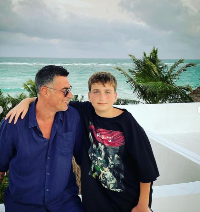 Babai i Dua Lipës poston fotot e veçanta nga pushimet, të