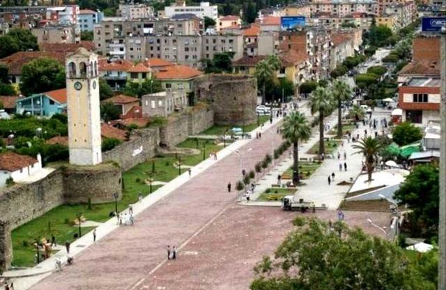 Përballjet e forta në Elbasan, emrat e parë të