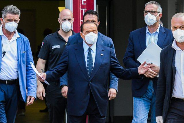 Berlusconi ishte në Francë, por shtrohet urgjent në spital