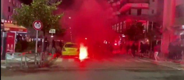 Derbi shkakton kaos në Elbasan/ Digjet një lokal, 2 persona mbeten