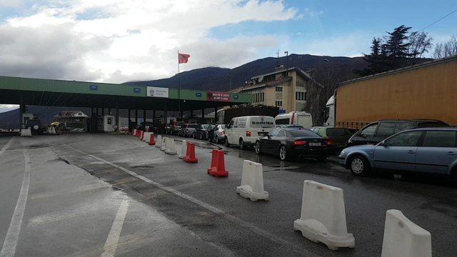 Mbyllet pika kufitare e Kapshticës, ministria e Jashtme: Deri më 8